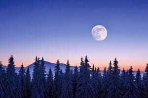 山中偶遇修鑿月亮的仙人