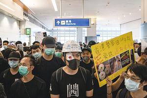 香港拉警報 防武警黑幫侵襲  北京封殺台灣金馬獎 究竟怕甚麼