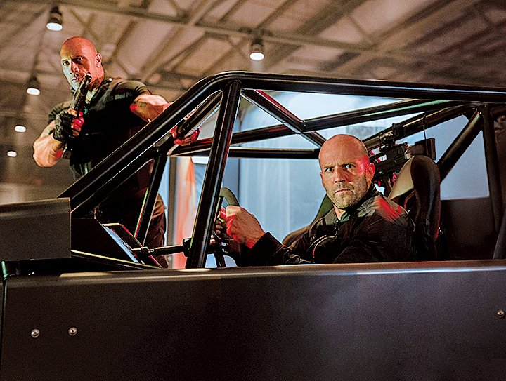 飛車追逐的場景在倫敦得到了充份的發揮,狄卡展現了極為驚人的車技。