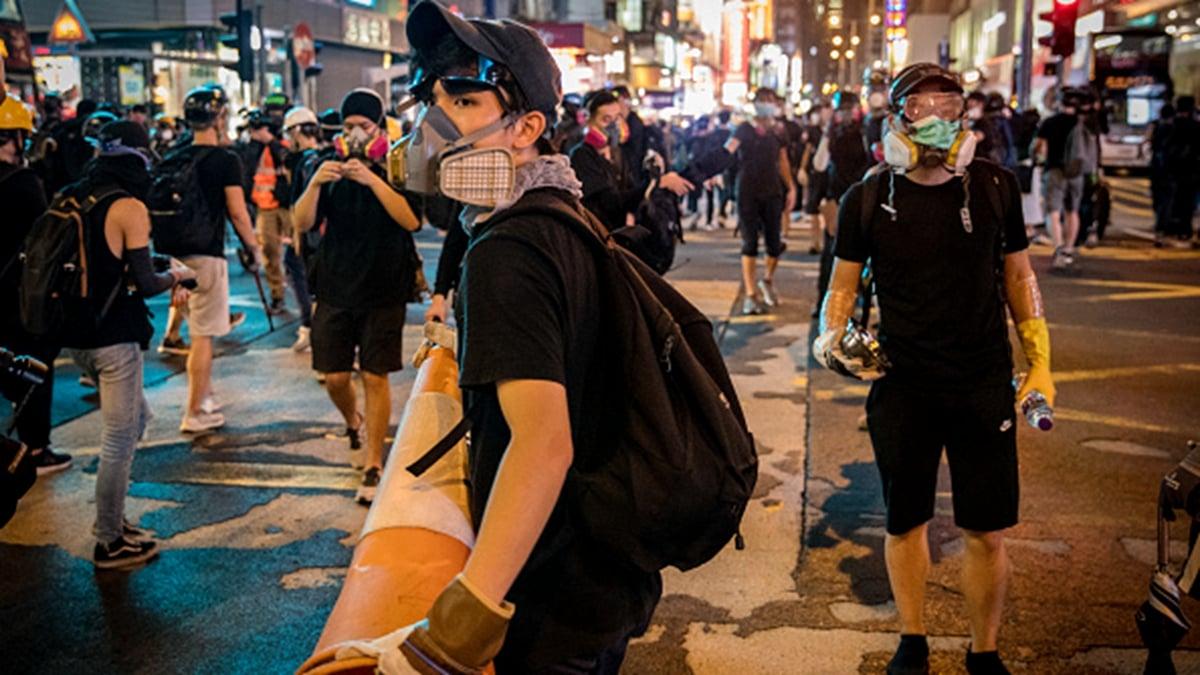 香港街頭的反送中示威者。(Chris McGrath/Getty Images)
