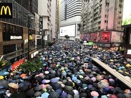 【8.18反送中】維園170萬人集會 市民:沒共產黨 香港才會好