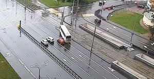 遊莫斯科 中國遊客巴士撞電線杆釀十一傷