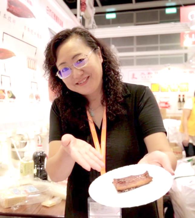 丸和日式食品負責人孫小姐。