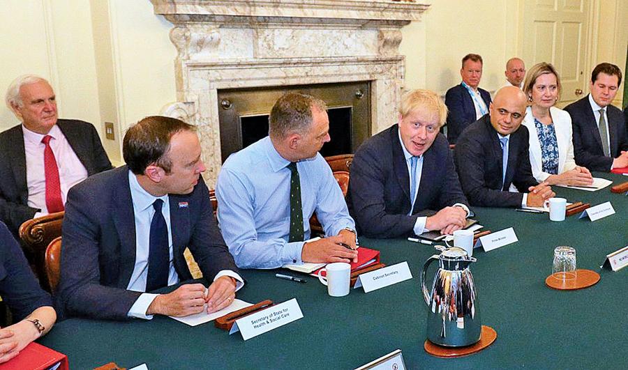 英內閣評估硬脫歐:數月內燃料糧食短缺