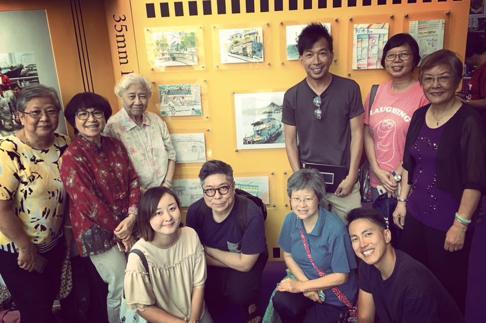 畫家們帶領東華三院方樹泉地區服務中心的十多名長者深入社區,舉辦了一連四堂的《走走畫畫筲箕灣》城市速寫工作坊並舉辦成果展。(受訪者提供)