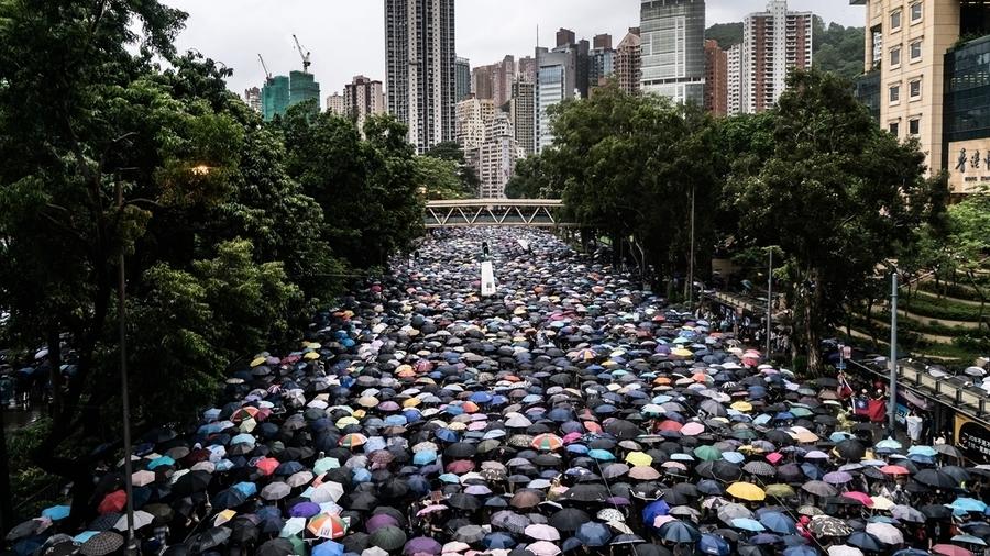 王滬寧煽情惹禍 大陸男在美領館噴漆被監禁4周