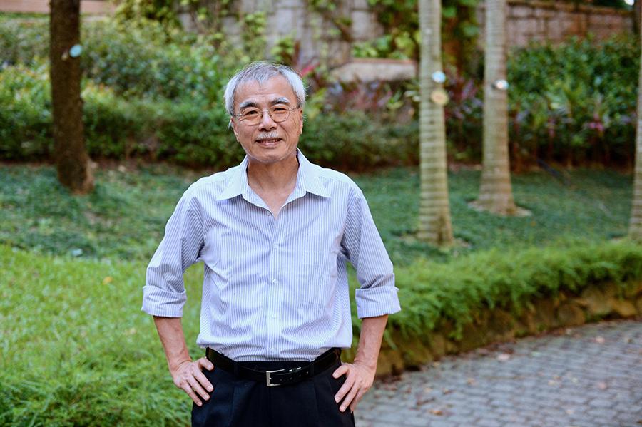 前「中央政策組」顧問、被譽為「香江第一健筆」的練乙錚表示,林鄭月娥的決策受到北京箝制,在港府內已是公開秘密。(宋碧龍/大紀元)