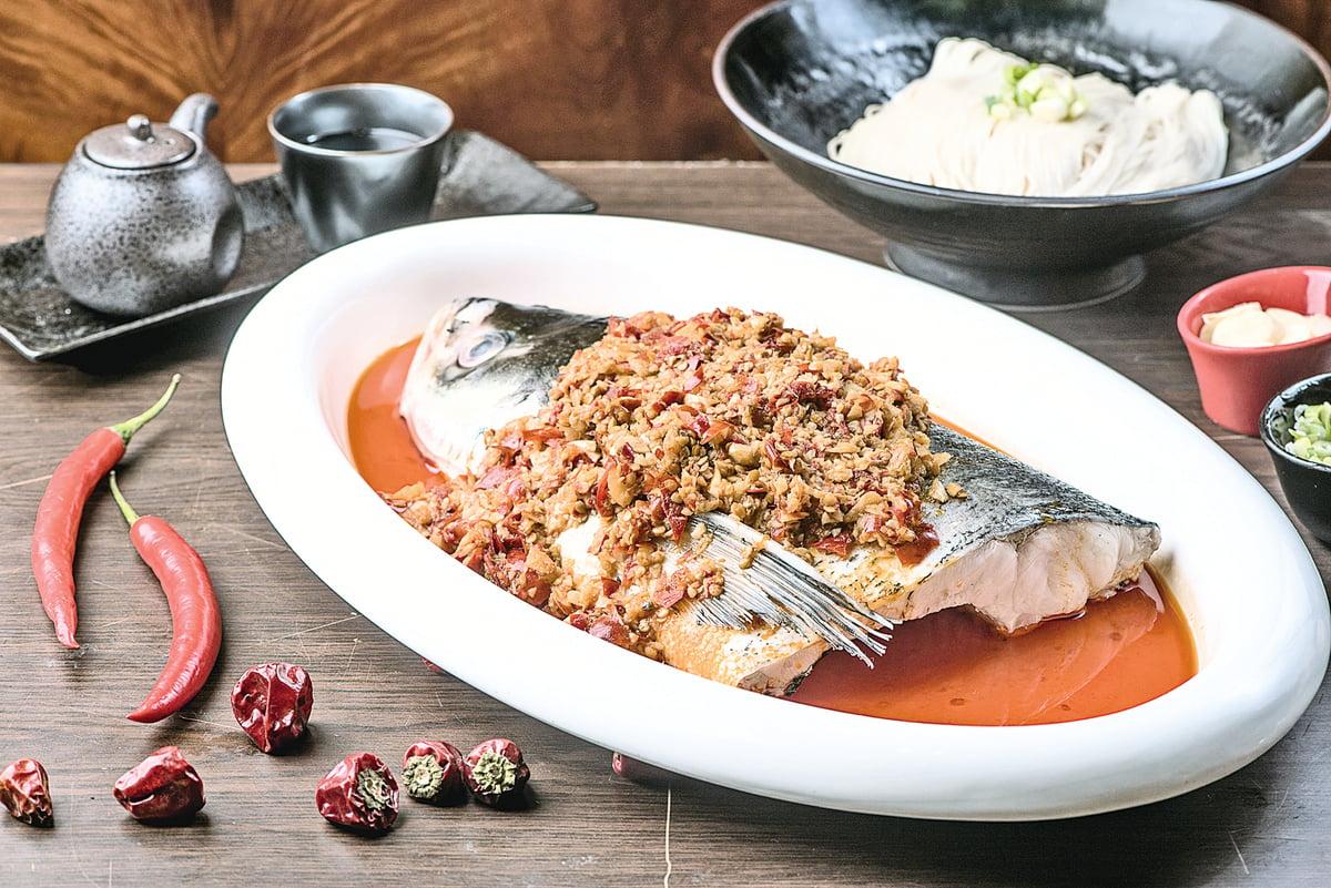 味道層次豐富的「剁椒魚頭」。