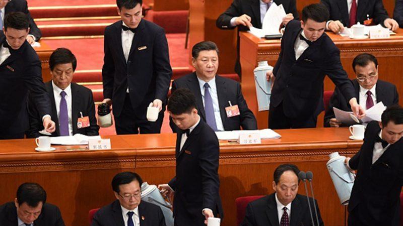 消息稱,目前香港局勢難倒中南海,中共黨內有鷹、鴿派之爭,並對香港事態給出三種定性,但至今也未明確某一定性。( GREG BAKER/AFP/Getty Images)
