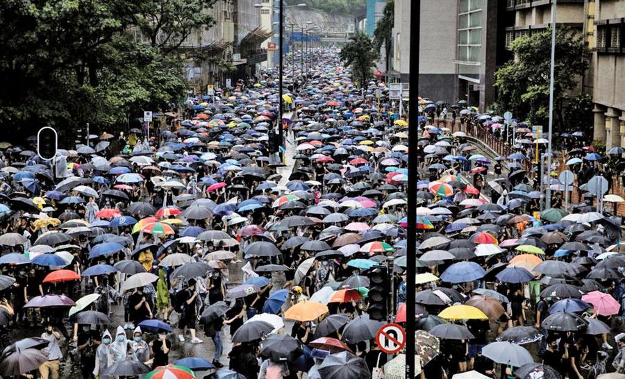 對港宣傳調門有變 央視稱示威者為香港「朋友」