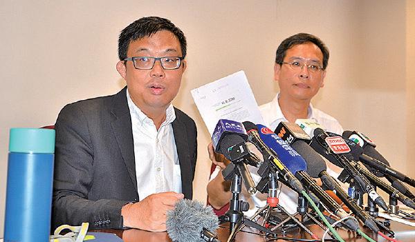 涂謹申(左)指引用《緊急法》禁止市民集會示威,違反《中英聯合聲明》,會對香港的特殊貿易地位會帶來「災難性」影響。(駱亞/大紀元)