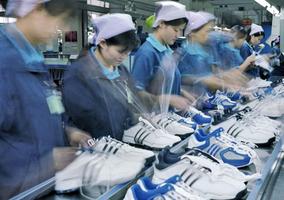 貿易戰衝擊 25% 運動服生產線閒置