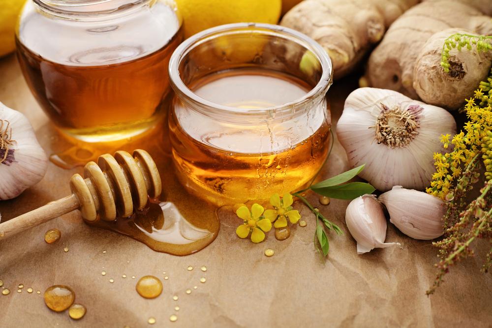大蒜和蜂蜜可以幫助人們預防病菌的侵入,尤其在寒冷潮濕的冬天。 ( Shutterstock)
