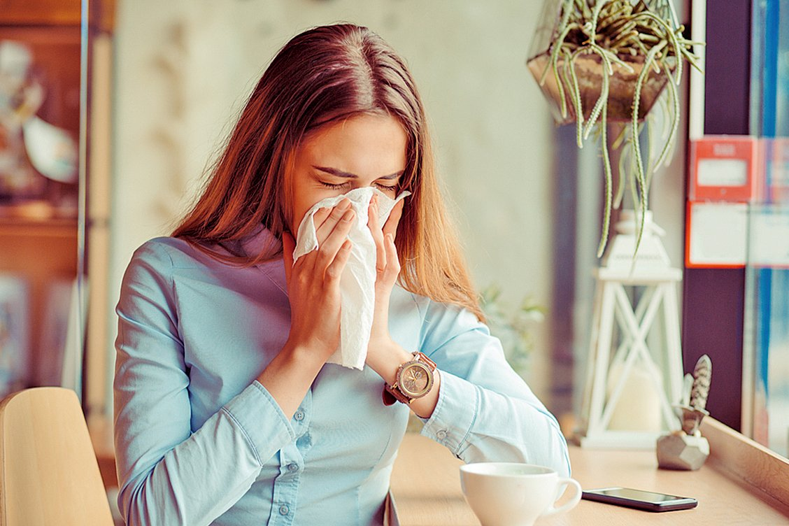 在感冒的早期,或是天氣轉涼的時候,將蜂蜜、大蒜與其它一些天然食材結合起來,可以成為特別的流感滋補品。 ( Shutterstock)