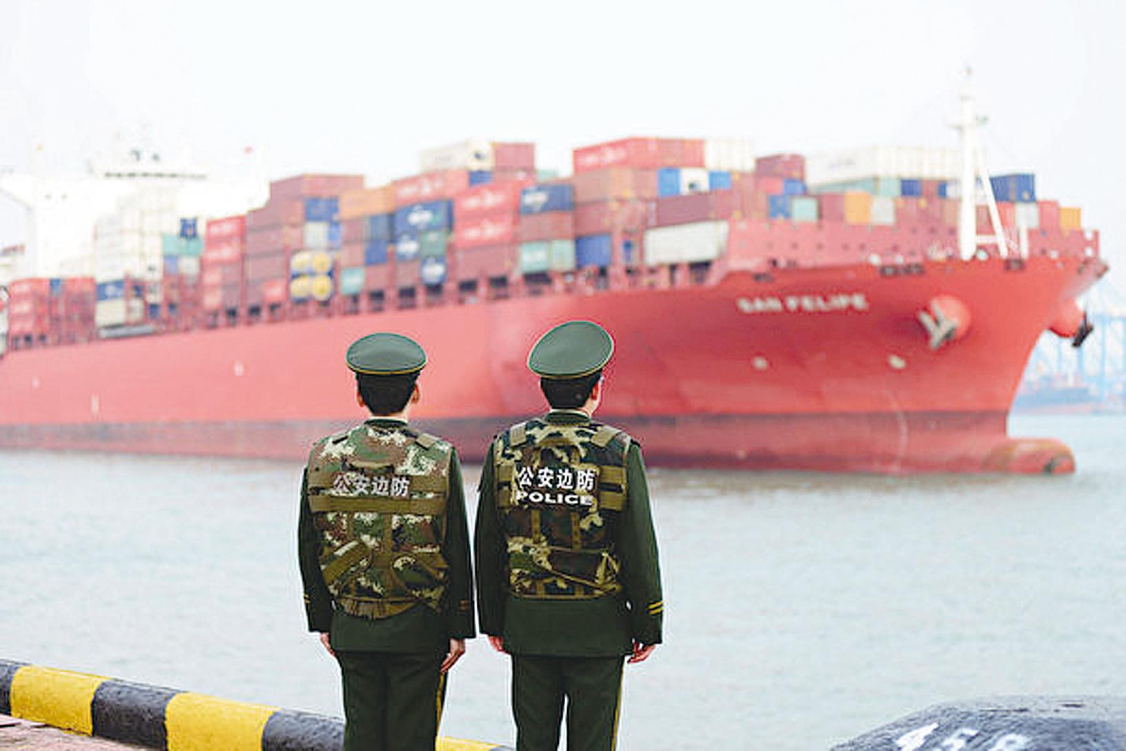 《日本經濟新聞》今年7月18日的報道指出,目前全球供應鏈將分化為「中國」和「非中國」兩部份(AFP/Getty Images)