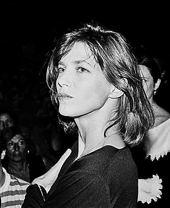 圖為英國著名歌手Jane Birkin,拍攝於1985年。(維基百科)