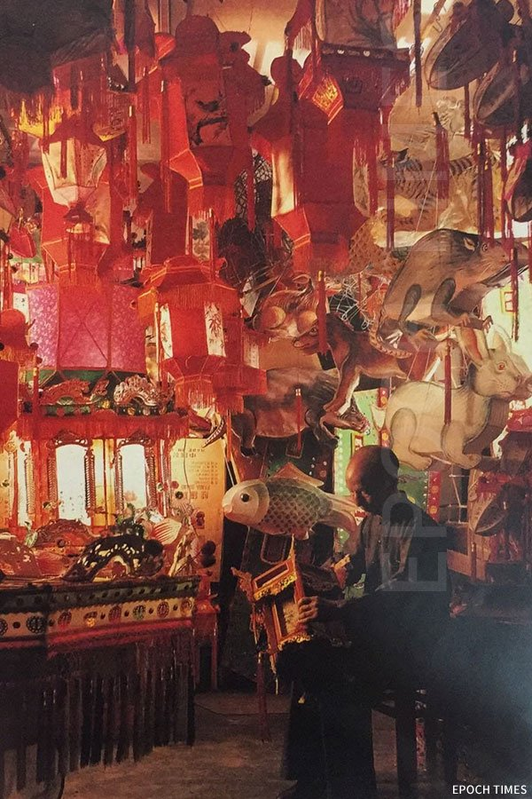 梁有錦師傅在生和隆舖中。(Benno Gross、Kwan Kwong Chung攝,受訪者提供)