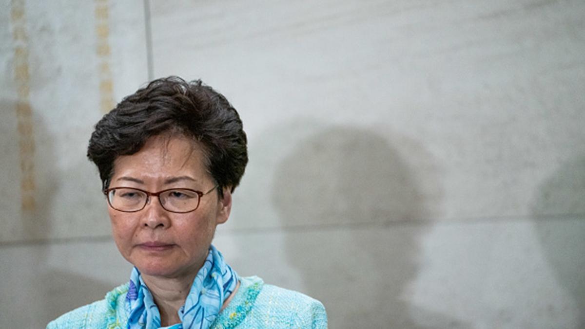 日前,林鄭在一次閉門會議上想辭職的講話錄音被外媒曝光,引發外界關注。專家分析,林鄭很可能是「奉旨洩露」。(Anthony Kwan/Getty Images)