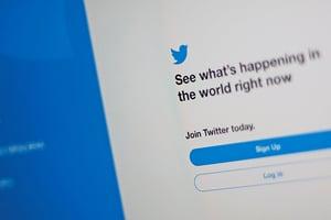 中共在推特用色情帳號 發香港假消息