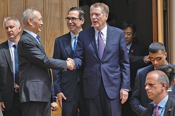 USTR發言人傑夫艾默生(Jeff Emerson)在一份電子郵件聲明中表示,中美同意在未來幾周內在華盛頓舉行部長級會議。圖為5月初劉鶴赴美談判。(AFP)