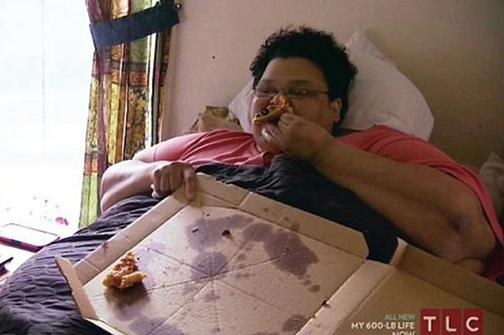 Milla控制不了的食慾令她不停長胖。(DailyMirror)