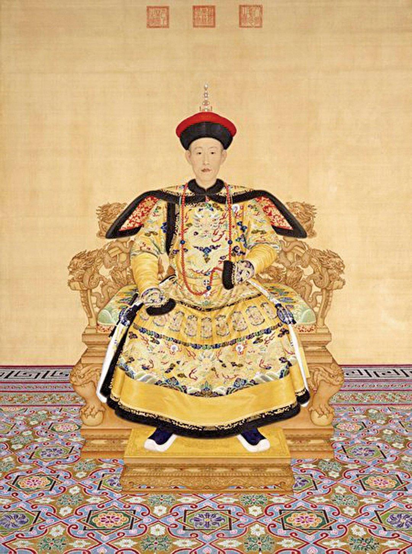 [清]郎世寧,《乾隆皇帝朝服像》,1736年作,北京故宮博物院藏。(公有領域)