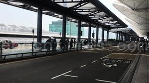 【9.7反送中】港人機場「測壓力」 警察於要道交管盤查