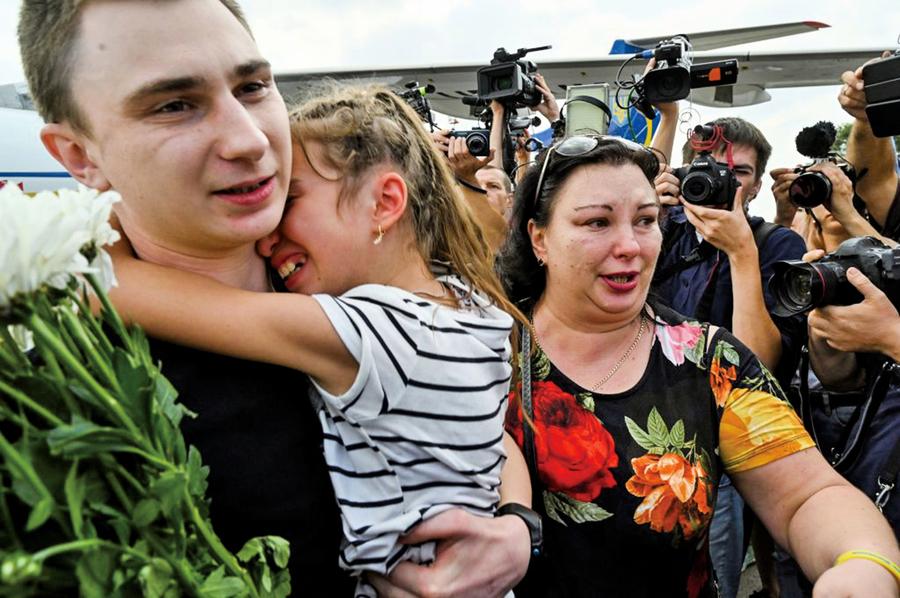 烏俄交換70名囚犯 烏總統:化解衝突第一步