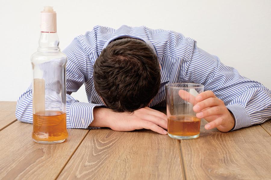 酒癮上身難戒掉