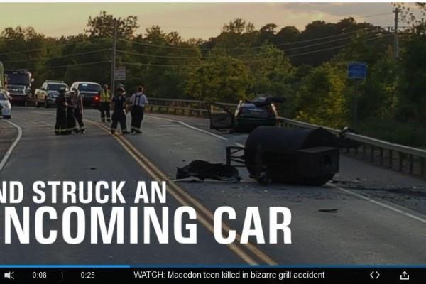空中飛落巨大燒烤爐 美國男子車內被砸死