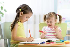 教學齡前兒童 在遊戲中學習寫作