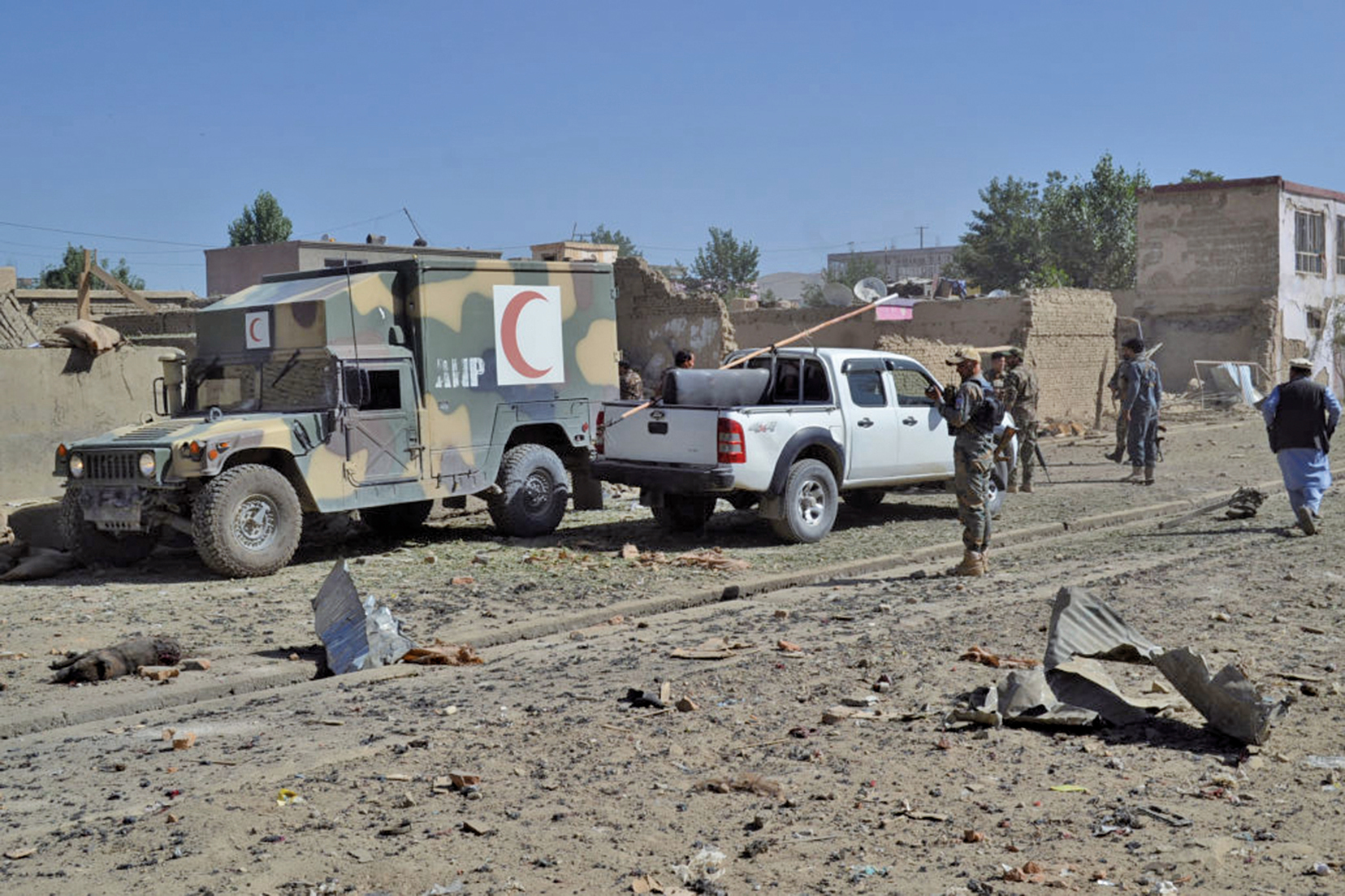 圖為塔利班武裝份子在阿富汗中部加茲尼省(Ghazni)發動的汽車爆炸案。(AFP)