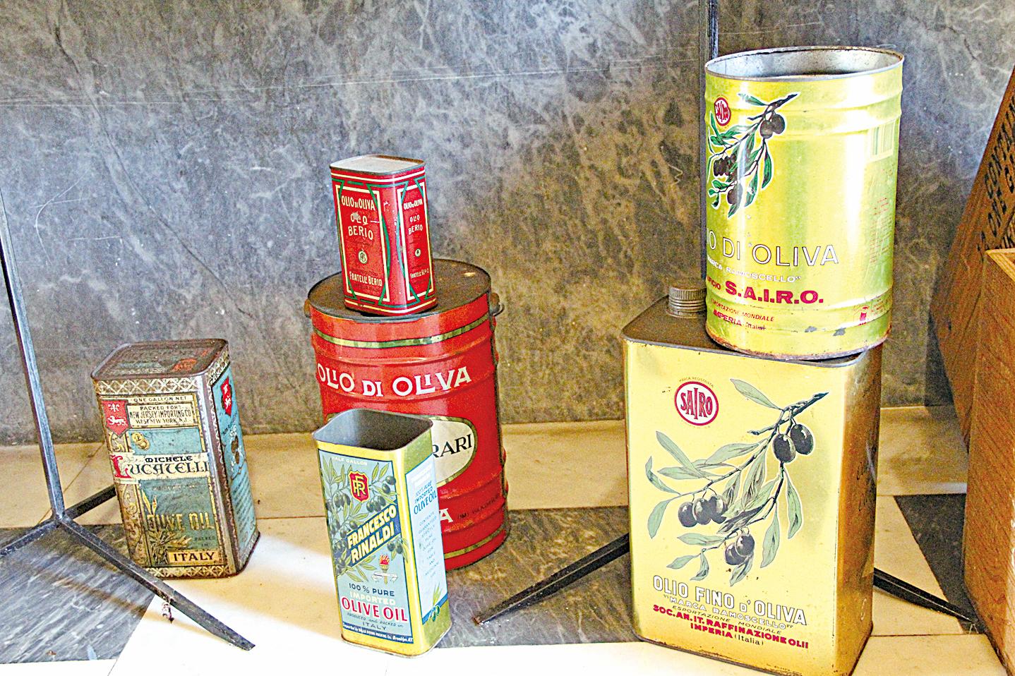 意大利橄欖油有上千年歷史,圖為早期橄欖油品鐵罐。