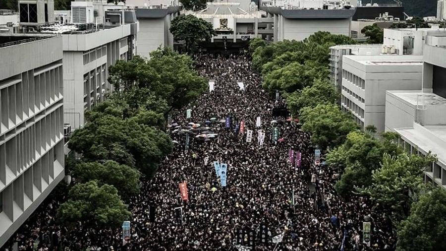 林鄭破「死線」香港13所大學行動升級
