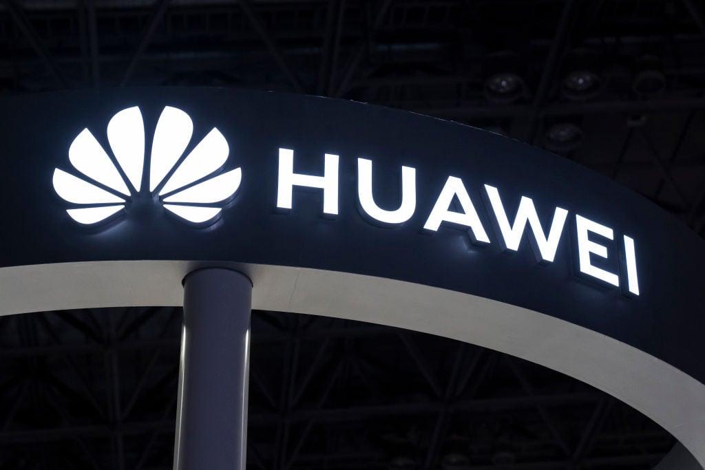 中國華為公司的創始人兼CEO任正非,近日對外放話稱,華為有意向西方國家的公司出售全套5G技術。(Tomohiro Ohsumi/Getty Images)