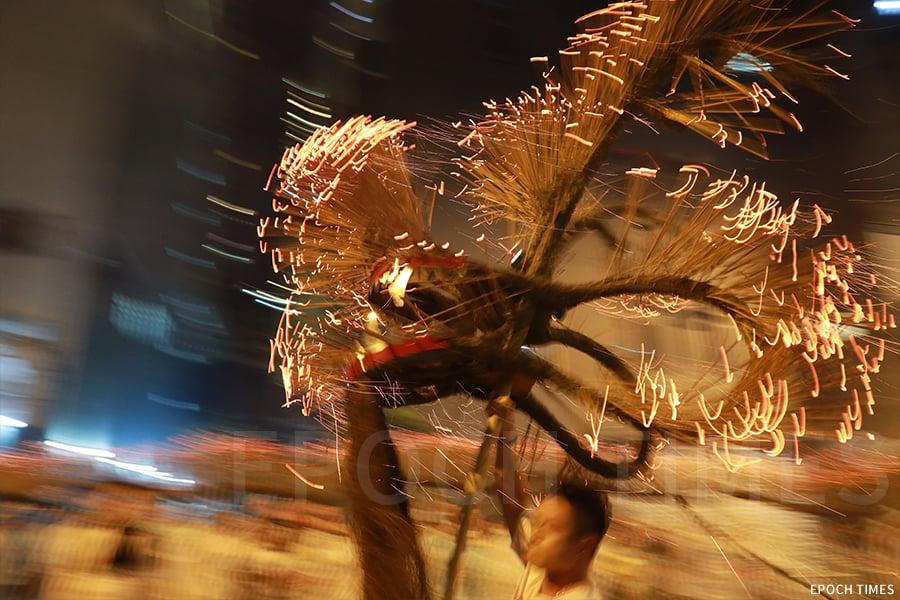 今年大坑舉行第140屆中秋火龍盛會,於中秋期間一連三日(黃曆八月十四至十六日)熱鬧舉行。(陳仲明/大紀元)