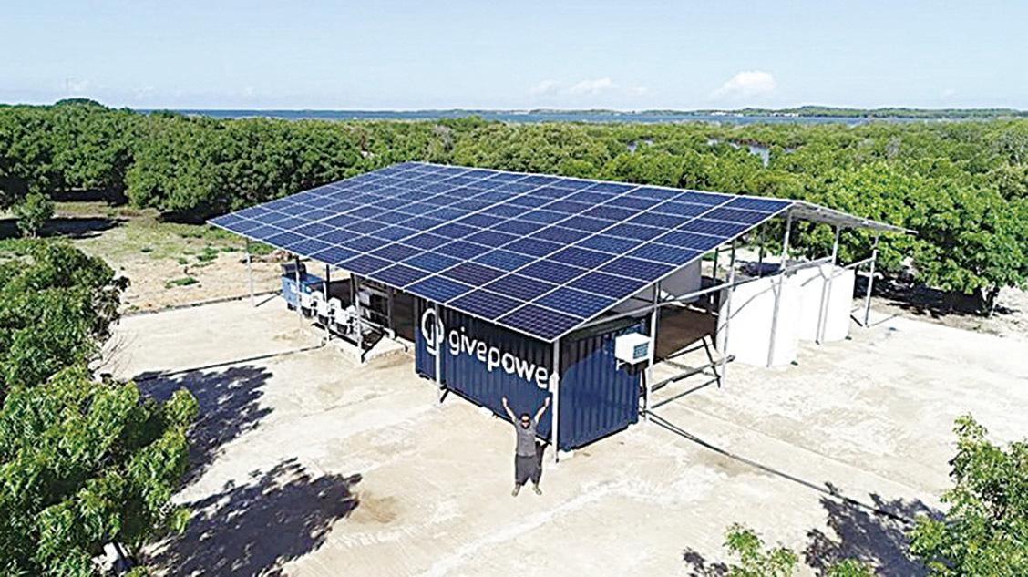 太陽能海水淡化廠,每天可以給25,000人提供淡水。(GivePower)