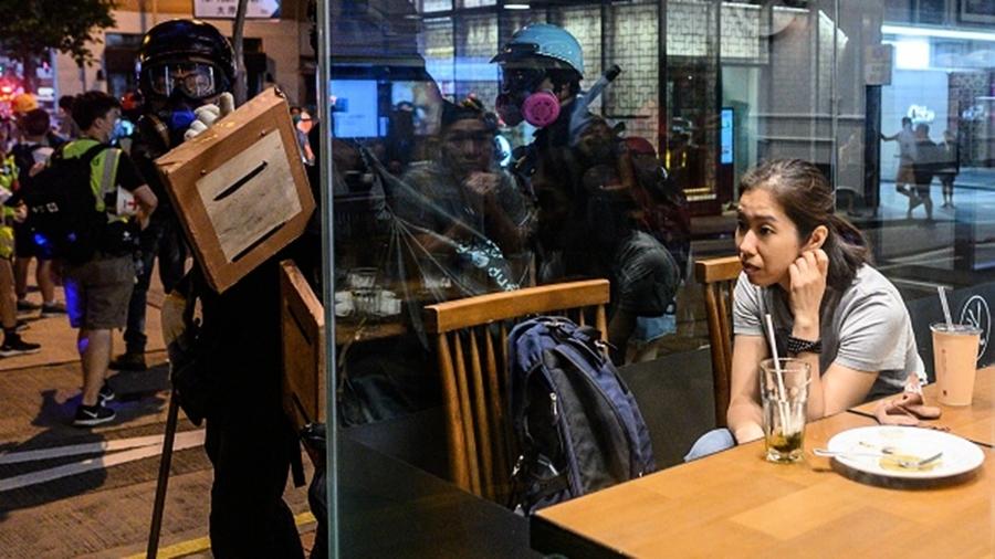 香港催生反送中菜單:催淚蛋、以眼還眼、五大素球