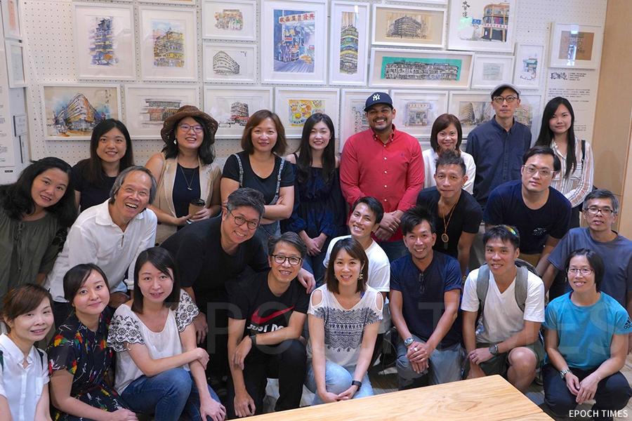 去年八月,藝術團隊「畫下嘢」曾在長沙灣社區進行寫生活動,在Tea Hub舉辦展覽。(受訪者提供)