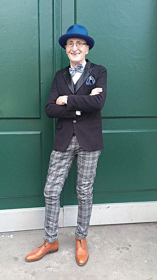 有網友問爺爺:「我可以在哪裏訂購這種褲子呢?這正是我的風格!」(Gunther Krabbenhoft提供)