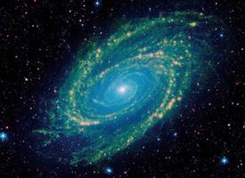 NASA以紅外線拍攝經典螺旋星系核心超亮