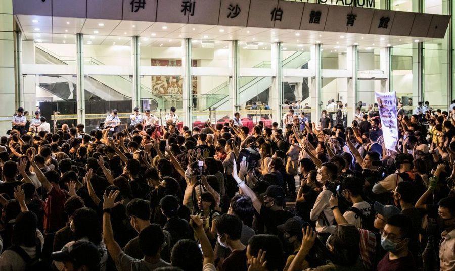 中共搬石砸腳 美共和黨人:鄺俊宇遇襲助攻法案通過