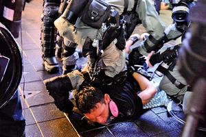 港警太子站的暴行 簡直是納粹的翻版