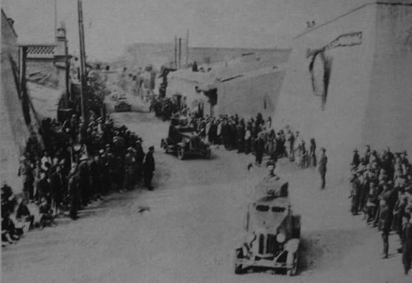 盛世才在新疆蘇聯化的武力部隊。(網絡圖片)