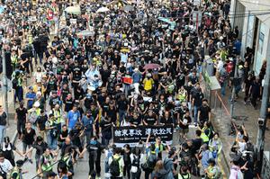 【沒有國慶 只有國殤】10.1香港人義無反顧走上街頭反暴政 爭自由