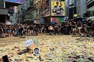 國殤日 港人高壓下不懼死 繼續上街抗爭