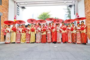 饒館集體婚禮展示中式婚嫁禮儀之美