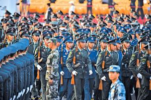 中共建政七十年打造「盛世」  其執政合法性受質疑