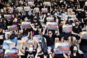 港人抗爭心聲:重振香江 讓香港再次偉大
