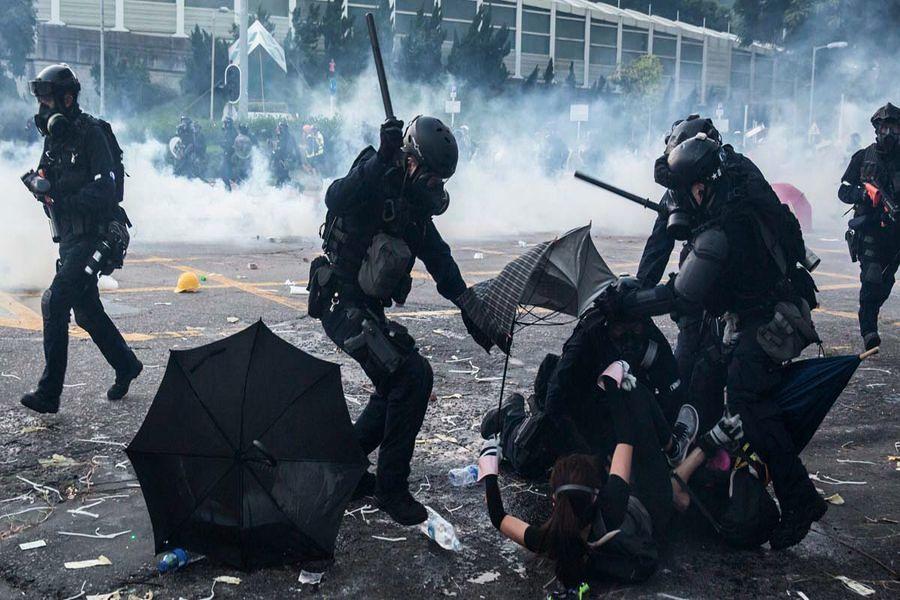 【黑色十一】數十萬港人示威 多地開真槍數十人受傷